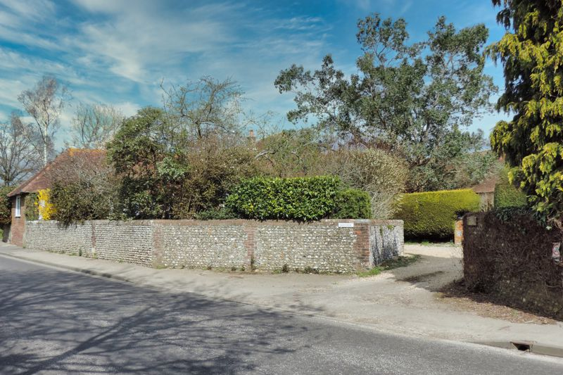 3 bed bungalow for sale, Chichester 21