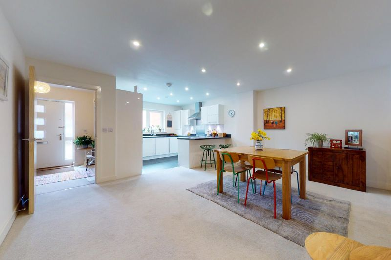 3 bed house for sale in Longley Road, Chichester  - Property Image 2