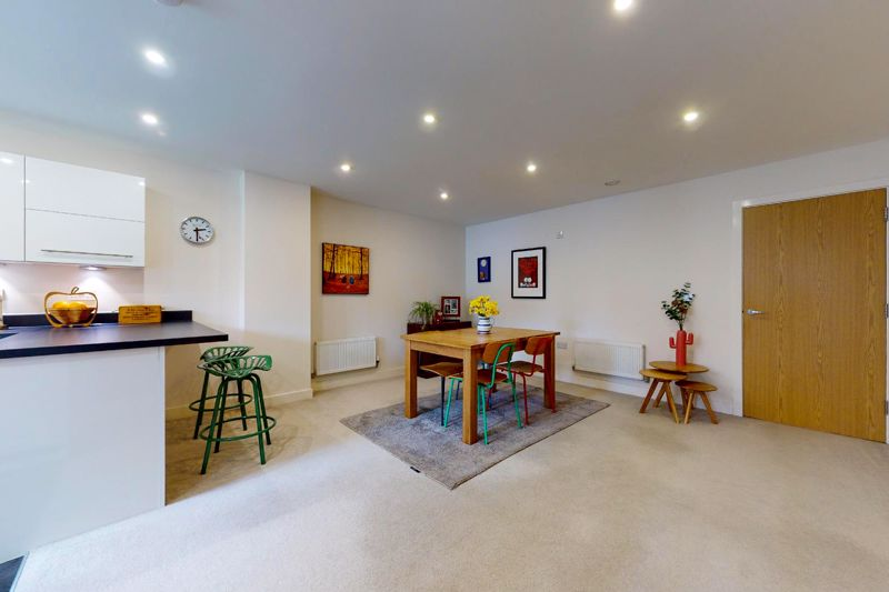 3 bed house for sale in Longley Road, Chichester  - Property Image 6