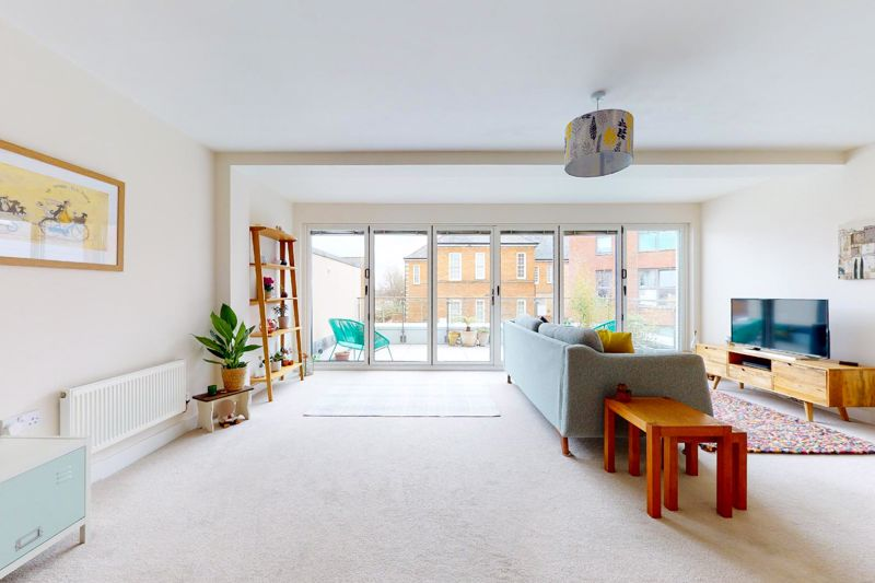 3 bed house for sale in Longley Road, Chichester  - Property Image 3