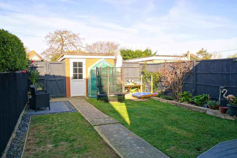 3 bed house for sale in Gainsborough Drive, Chichester  - Property Image 9