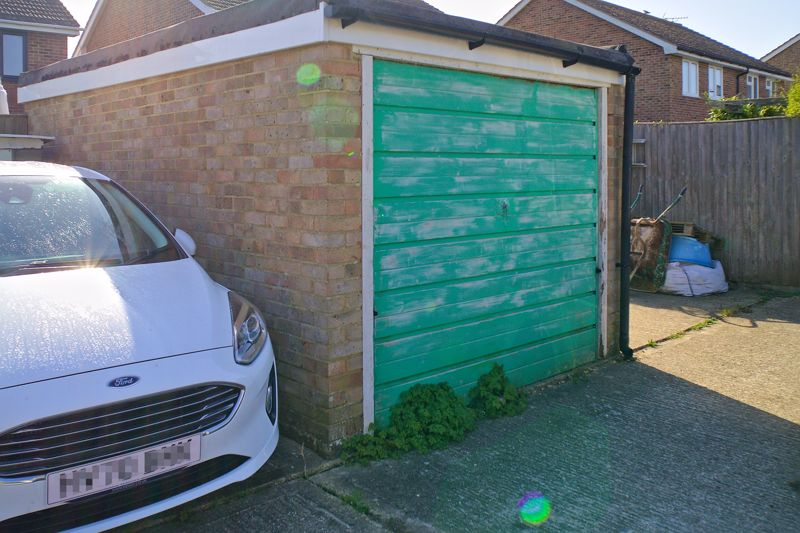 3 bed house for sale in Gainsborough Drive, Chichester 12