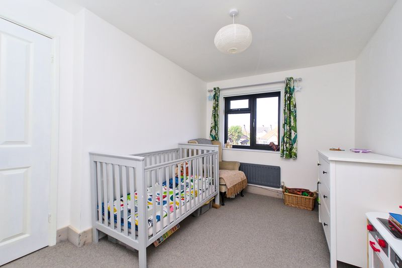 3 bed house for sale in Gainsborough Drive, Chichester  - Property Image 6