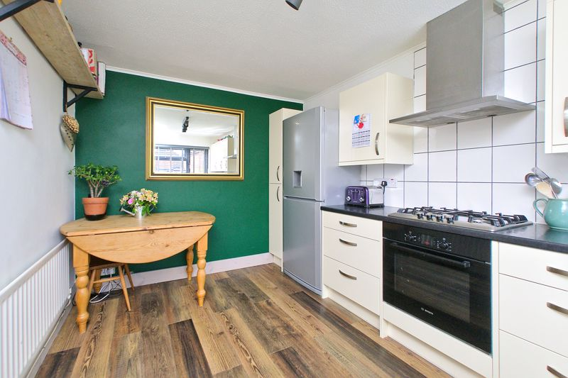 3 bed house for sale in Gainsborough Drive, Chichester  - Property Image 10
