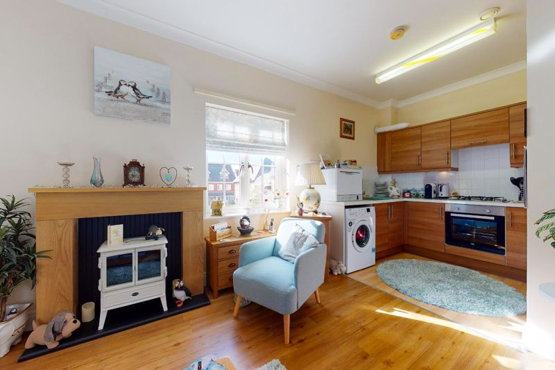 1 bed flat for sale in Lillywhite Road, Chichester 4
