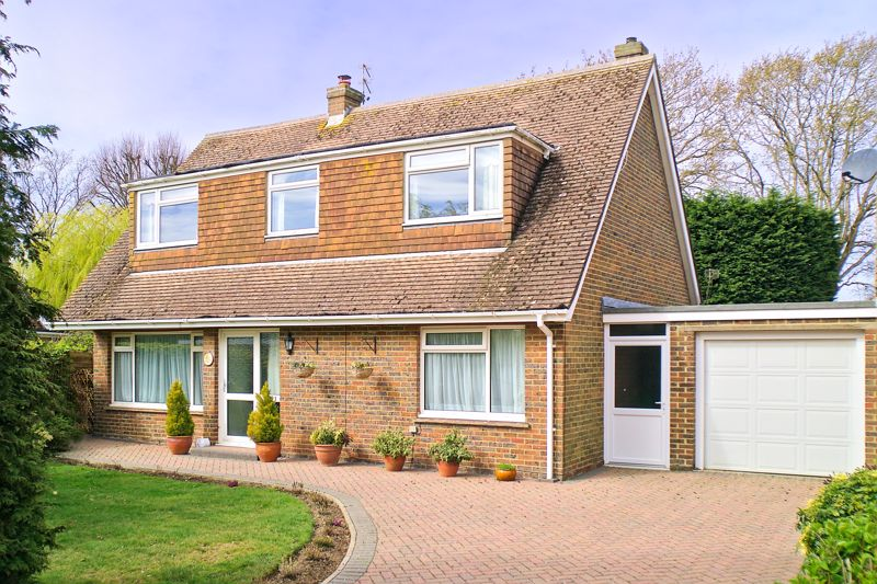 3 bed house for sale in Inglewood Drive, Bognor Regis  - Property Image 1