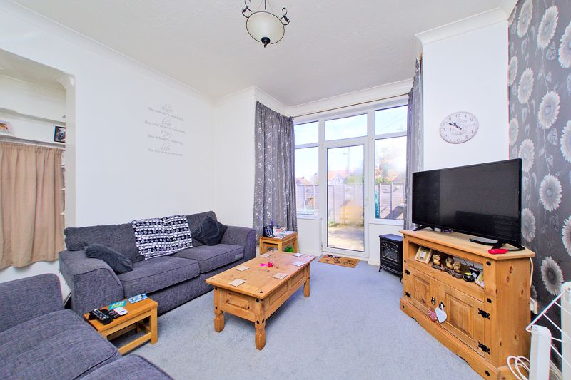 <br/><br/>White & Brooks are delighted to offer for sale this converted, spacious ground floor garden apartment. Set in the highly-desirable of Aldwick, the property has its own private entrance and is in close proximity to the seafront, local shops, cafes, delicatessens and the beautiful West Park. <br/><br/>The accommodation briefly comprises one double Bedroom, Bathroom, Kitchen and Living Room with doors to the large, private patio garden. The property further benefits from off-road parking and double glazing throughout. <br/><br/>An internal viewing is essential to appreciate all that the property has to offer.