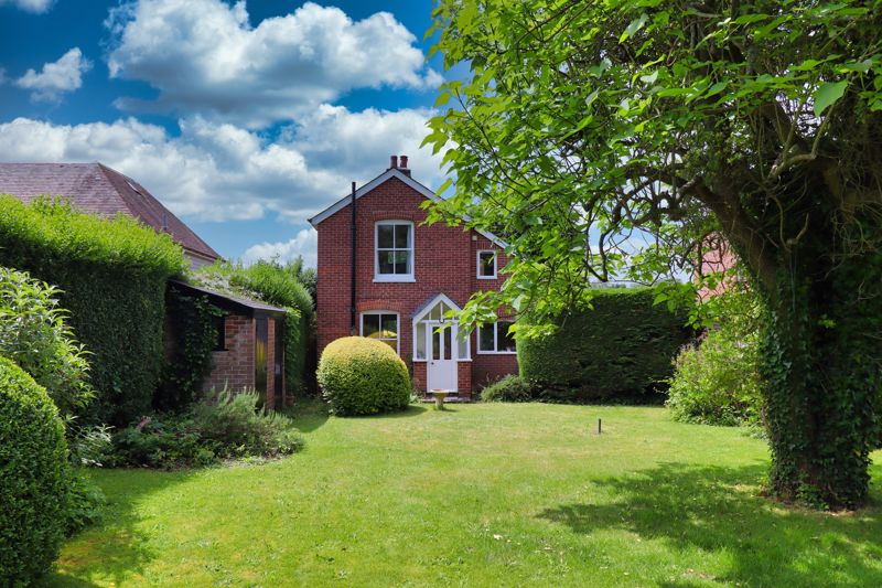 2 bed for sale in West Ashling Road, Chichester  - Property Image 5