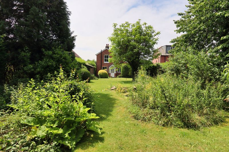 2 bed for sale in West Ashling Road, Chichester  - Property Image 6