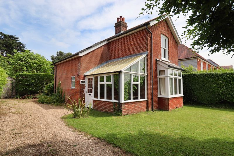 2 bed for sale in West Ashling Road, Chichester  - Property Image 1