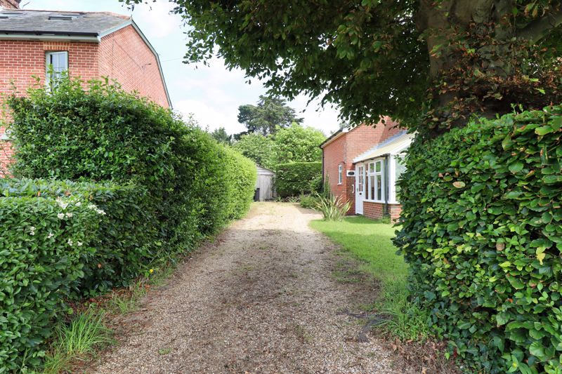 2 bed for sale in West Ashling Road, Chichester  - Property Image 4