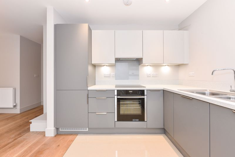 1 bed flat for sale in Cakeham Road, Chichester 2