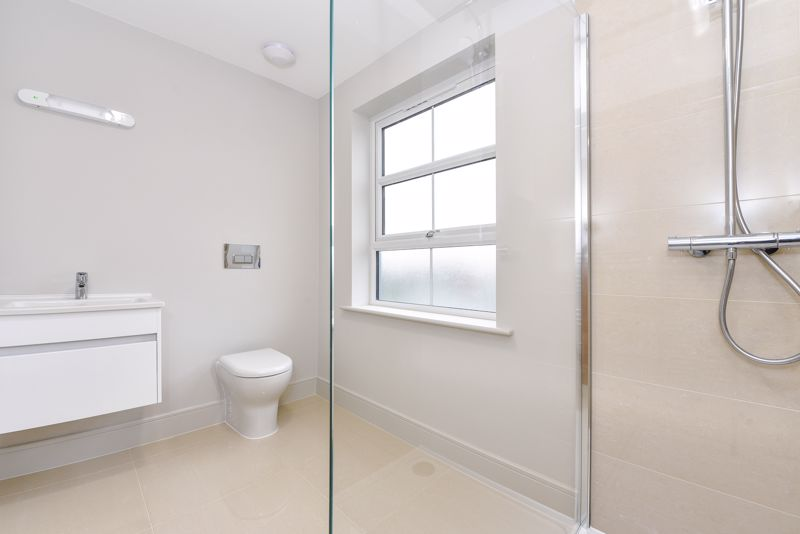 1 bed flat for sale in Cakeham Road, Chichester 5