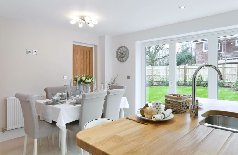 3 bed house for sale in North End Road, Arundel 5