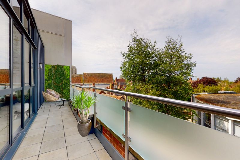 2 bed for sale in The Woolstaplers, Chichester  - Property Image 20