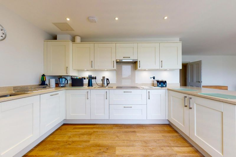 2 bed for sale in The Woolstaplers, Chichester  - Property Image 5