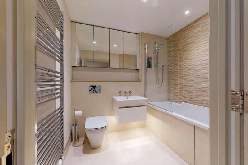 2 bed for sale in The Woolstaplers, Chichester  - Property Image 9