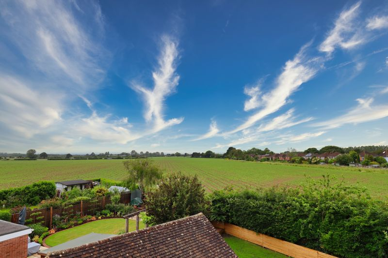 4 bed house for sale in Selsey Road, Chichester  - Property Image 12