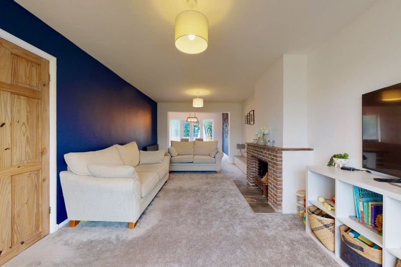4 bed house for sale in Selsey Road, Chichester 13