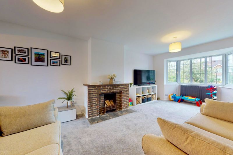 4 bed house for sale in Selsey Road, Chichester 3