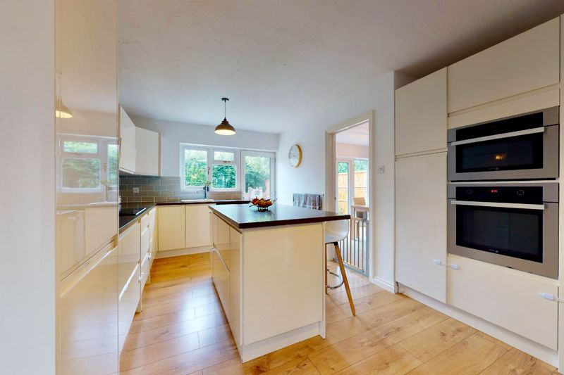 4 bed house for sale in Selsey Road, Chichester  - Property Image 3