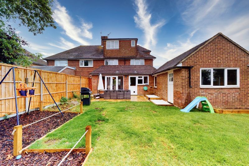 4 bed house for sale in Selsey Road, Chichester  - Property Image 11