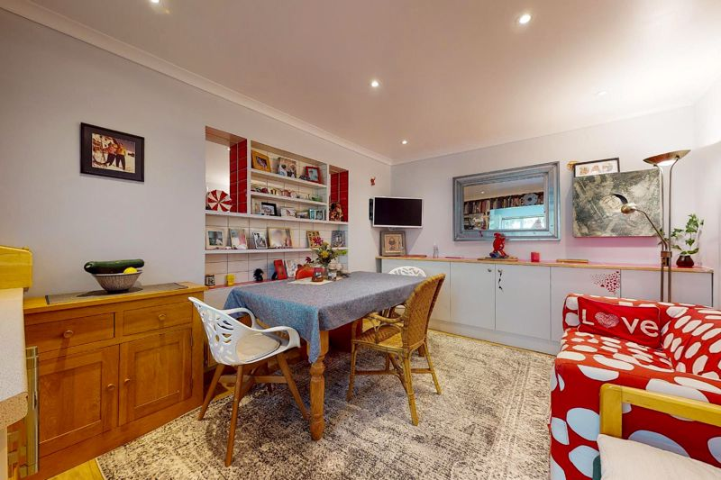 5 bed house for sale in Guildford Place, Chichester  - Property Image 8