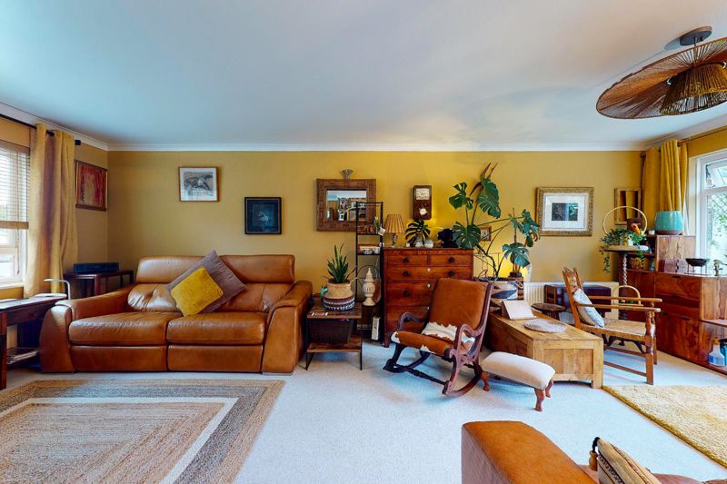 5 bed house for sale in Guildford Place, Chichester  - Property Image 3
