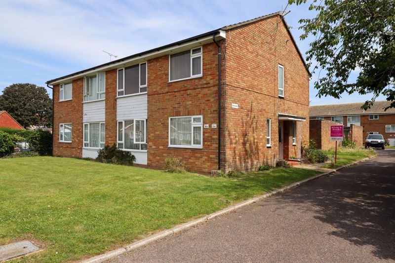<br/><br/>First floor purpose built apartment, boasting its' own private entrance door, situated in this convenient location, close to local amenities and within easy reach of the Town Centre and good road links.<br/><br/>The accommodation briefly comprises, Entrance Hall, large double Bedroom, Lounge/Diner, separate Kitchen and Bathroom. The apartment is also being offered for sale with the benefit of no forward chain. An internal viewing is essential to appreciate all the property has to offer.