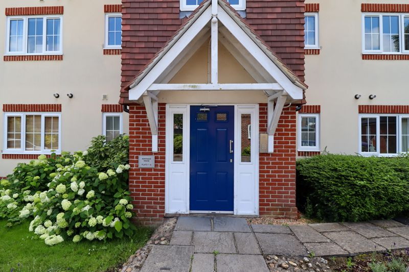 2 bed flat for sale in Tilemakers Close, Chichester 12
