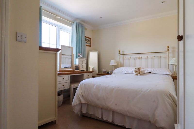 2 bed flat for sale in Tilemakers Close, Chichester  - Property Image 9