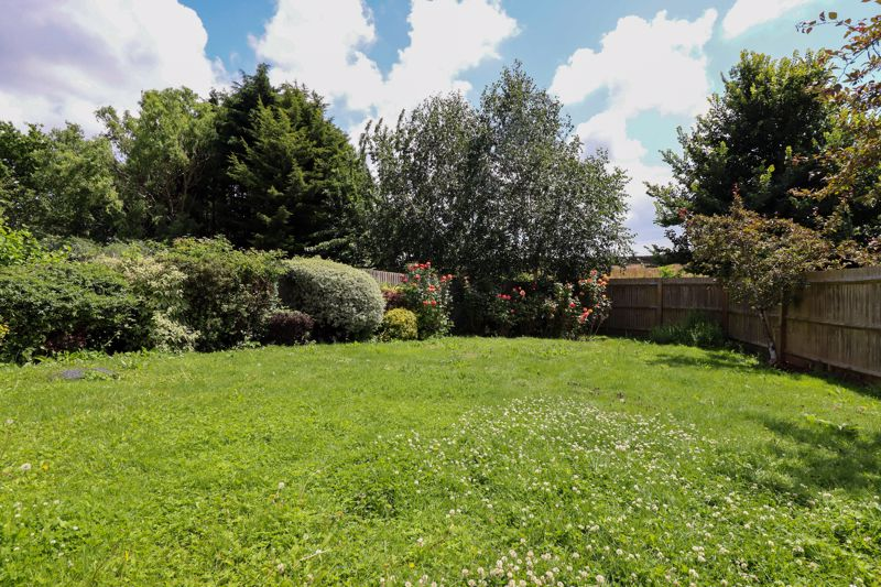 2 bed flat for sale in Tilemakers Close, Chichester  - Property Image 2