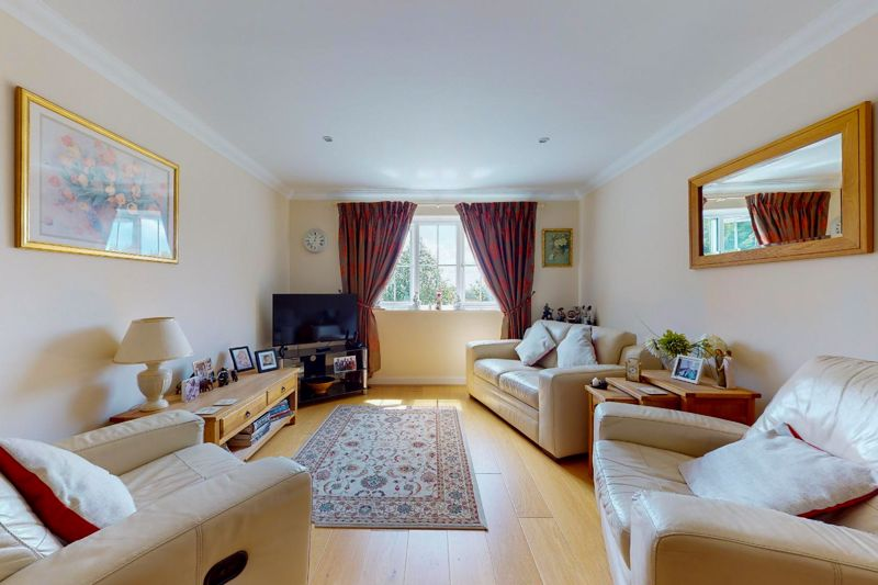 2 bed flat for sale in Tilemakers Close, Chichester  - Property Image 5