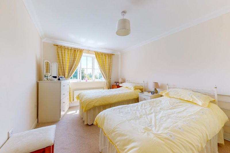 2 bed flat for sale in Tilemakers Close, Chichester  - Property Image 7