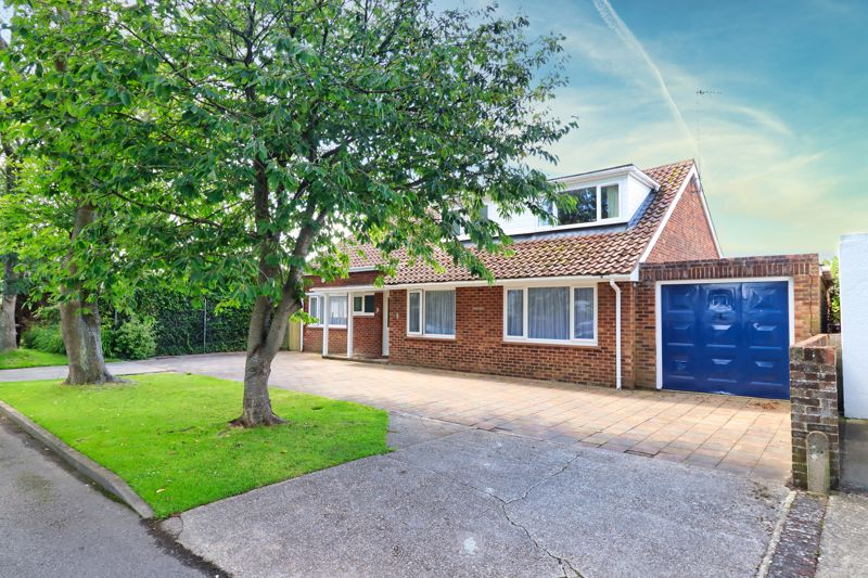 5 bed house for sale in Northwyke Road, Bognor Regis  - Property Image 1