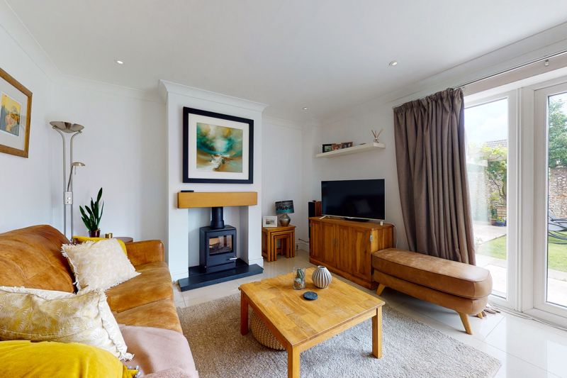 5 bed house for sale in Main Road, Chichester 4