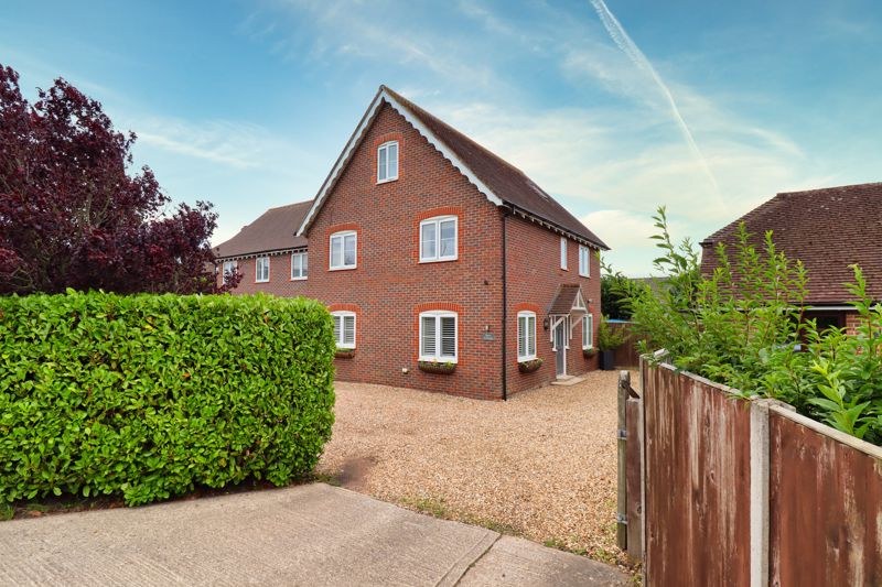 5 bed house for sale in Main Road, Chichester  - Property Image 1