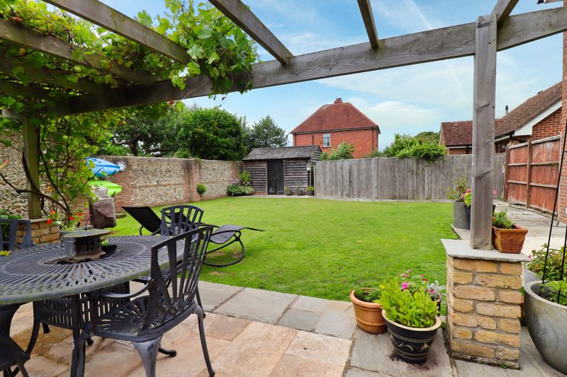 5 bed house for sale in Main Road, Chichester 1