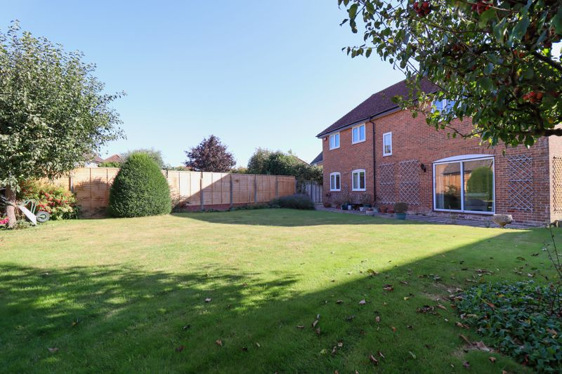 4 bed house for sale in St. Marys Meadow, Arundel  - Property Image 20