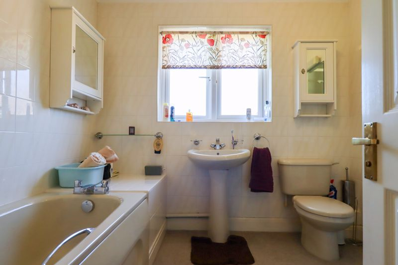 4 bed house for sale in St. Marys Meadow, Arundel  - Property Image 12