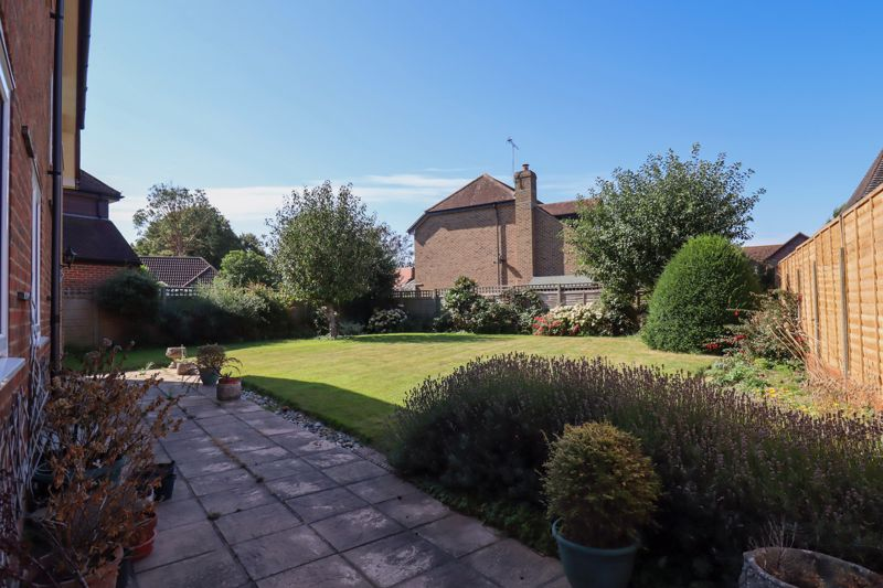 4 bed house for sale in St. Marys Meadow, Arundel  - Property Image 21
