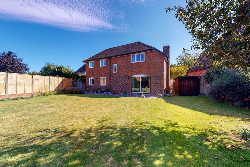 4 bed house for sale in St. Marys Meadow, Arundel 1