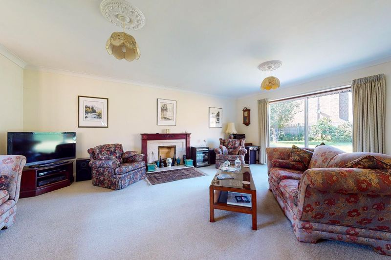 4 bed house for sale in St. Marys Meadow, Arundel  - Property Image 5