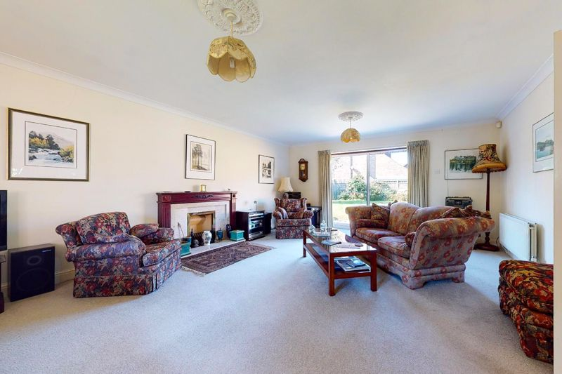 4 bed house for sale in St. Marys Meadow, Arundel  - Property Image 18