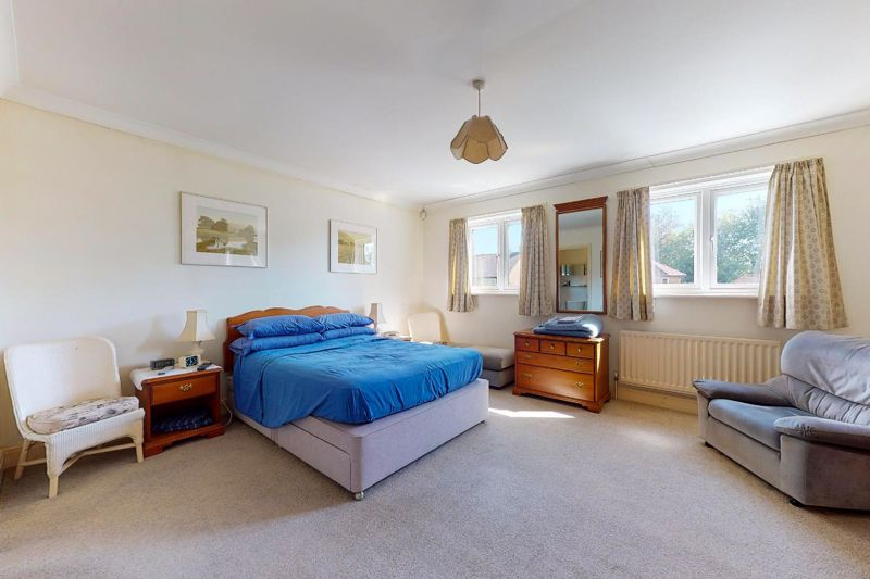 4 bed house for sale in St. Marys Meadow, Arundel  - Property Image 8