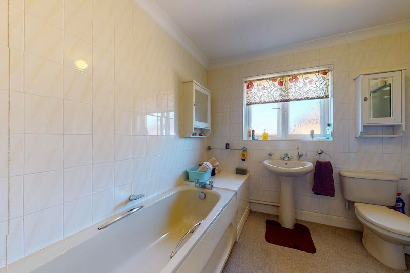 4 bed house for sale in St. Marys Meadow, Arundel  - Property Image 19