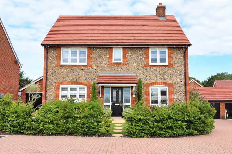 4 bed house for sale in Vesta Mews, Chichester  - Property Image 1