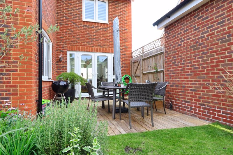 4 bed house for sale in Vesta Mews, Chichester  - Property Image 18