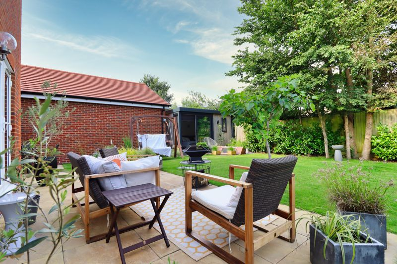 4 bed house for sale in Vesta Mews, Chichester  - Property Image 19