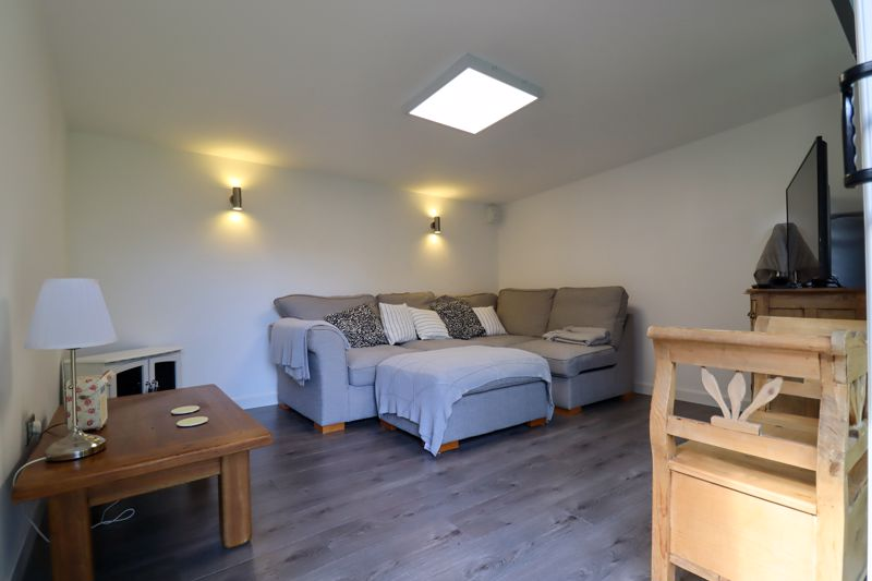 4 bed house for sale in Vesta Mews, Chichester  - Property Image 17